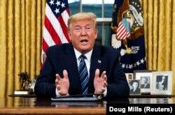 11 март куни Дональд Трамп коронавирус билан боғлиқ чора-тадбирлар ҳақида жонли телемурожаат қилди.