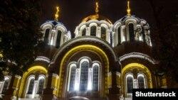 «Почесний Патріарх Філарет має пожиттєве право на звершення богослужінь у Володимирському соборі міста Києва»