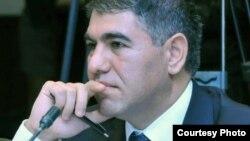 Vüqar Bayramov iqtisadçı-ekspert