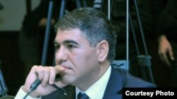 Vüqar Bayramov, ekspert