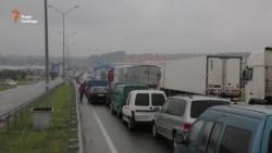 10-12 годин – автомобільна черга на українсько-польському кордоні