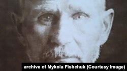 Мороз Федір Захарович, розстріляний у 1937 році у Житомирі. Стверджував, що усі біди селян від колективізації