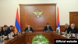 Հայաստանի և Ղարաբաղի կառավարությունների համատեղ նիստ Ստեփանակերտում, 5-ը նոյեմբերի, 2016 թ․