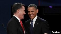 Mitt Romney dhe Brack Obama para fillimit të debatit televiziv