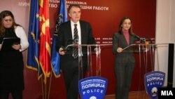 Министерката за внатрешни работи Гордана Јанкулоска се сретна со директорот на Федералната канцеларија за миграции на Швајцарија Марио Гатикер во Скопје.