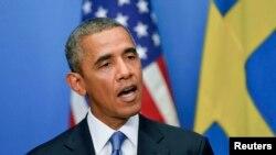 Президент США Барак Обама выступает на пресс-конференции в Стокгольме