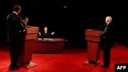Маккейн - Обама: первый раунд явного лидера не выявил
