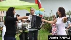 Кырымтатар музыканты, баянчы Сәрвәр Абкеримов