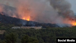 Пожар на полуострове Корчула, Южная Хорватия, 18 июля 2015 года, фото: MORH
