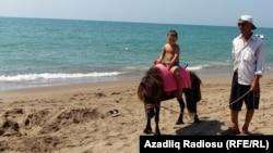 Azerbaijan -- Baku beaches, 17Aug2016