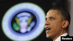Amerikan prezidenti Obama Waşingtonyň Milli goranyş uniwersitetinde çykyş edýär, 28-nji mart.