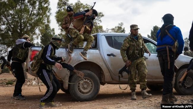 Suriya qiyamçıları əl-Bab ətrafında