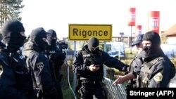 Slovenska policija na graničnom prijelazu Harmica-Rigonce