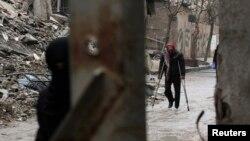 Дамаскка жакын жер бомбалоодон кийин, 12-февраль, 2015-жыл