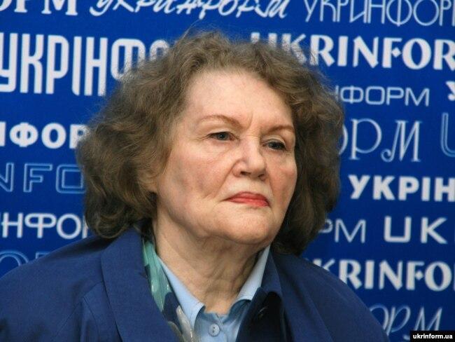 Письменниця Ліна Костенко