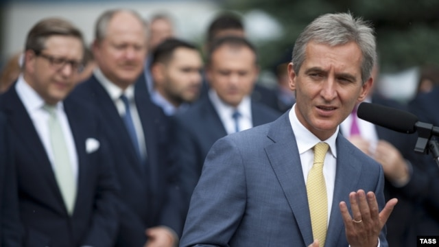 Moldovan Prime Minister Iurie Leanca's pro-EU path will be put to a vote.