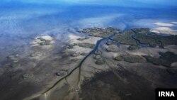 سفیدرود با طول ۷۶۵ کیلومتر دومین رود بلند ایران و طولانیترین و پرآبترین رود گیلان است