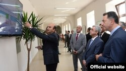 Հայաստան -- Սերժ Սարգսյանը Գյումրիի տեղեկատվական կենտրոնում, Գյումրի, 13-ը սեպտեմբերի, 2014թ․