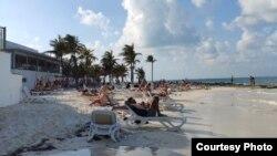 Пляж у горадзе Канкун, Мэксыка, 16 сакавіка 2020 году