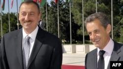 Ильхам Алиев (слева) и иНиколя Саркози, Баку, 7 октября 2011