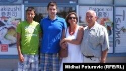 Luka Bilandžić sa porodicom dvadeset godina kasnije