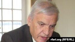 محمد امین فرهنگ کارشناس مسایل اقتصادی