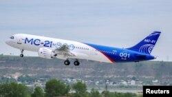 Ресейдің алғашқы MC-21-300 жолаушылар ұшағының сынақ кезінде әуеге көтерілген сәті. ИРкутск, 28 мамыр 2017 жыл.