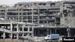 На развалинах Донецкого аэропорта