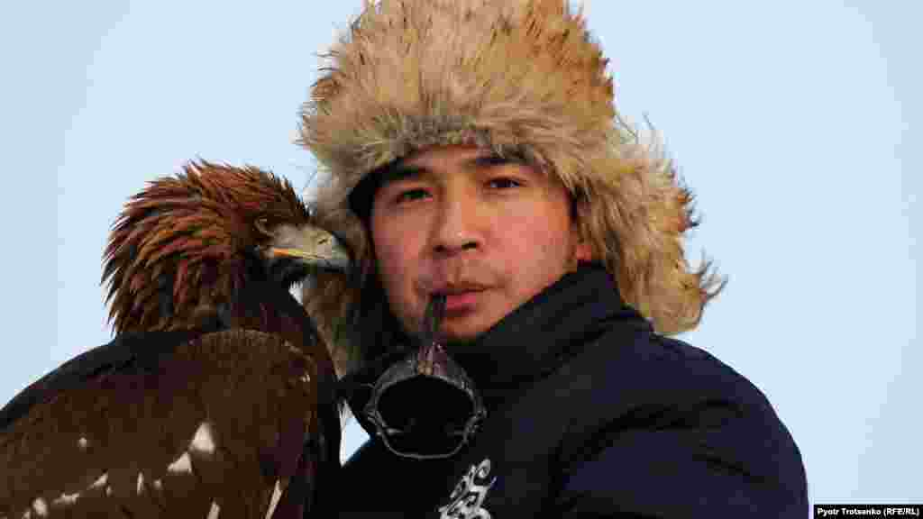 Some 18 eagle hunters traveled from across Kazakhstan to take part in the competition in Oral, in the country's northwest.