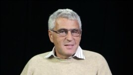 """Глава движения """"Союз правых сил"""" психолог Леонид Гозман"""