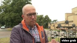 Томас Схансман, отец 18-летнего Квинна, который погиб в небе над Донбассом