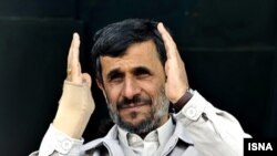 Махмуд Ахмадинежад в Исфахане, 2 декабря 2009 года