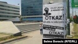 Plakat koji poziva na proteste, foto: Selma Boračić