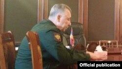 Армения - Заместитель министра обороны России Аркадий Бахин, Гюмри, 13 января 2015 г.