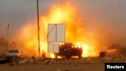 لحظه انفجار یک خودروی بمبگذاریشده در عراق