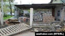 Здание под снос, Ашхабад