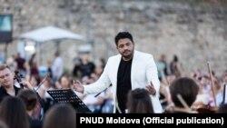 Adriano Marian, conducătorul Orchestrei Naționale de Tineret a Moldovei, sau Chişinău Youth Orchestra