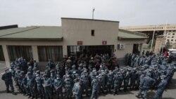 Գերեվարված և անհետ կորած զինծառայողների հարազատները արգելափակել են Պաշտպանության նախարարության բոլոր մուտքերը