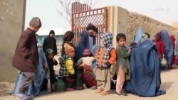 سرمای زمستان تهدیدی برای کودکان بیجا شده در شبرغان