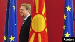 Еврокомесарот за проширување Штефан Филе.