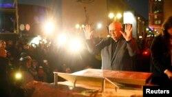 Михаил Горбачёв оставил отпечатки своих ладоней на фрагменте Берлинской стены (7 ноября 2014 года)