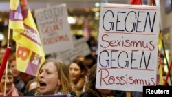 Большинство участниц акции протеста в Кёльне – женщины. 5 января 2016 года.