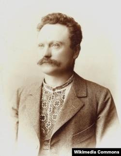 Іван Франко у вишиваній сорочці і костюмі, 1898 рік