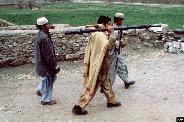 Афганські моджахеди, початок 80-х