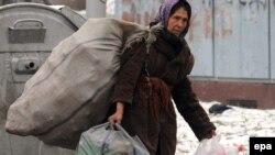 Со 2000 денари социјална помош не се преживува