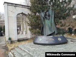 Могила Махмуда Эсамбаева