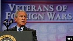 جورج بوش که روز چهارشنبه در کنواسيوان ملی سربازان بازنشسته جنگ های خارجی آمريکا در شهر کانزاس وضعيت عراق را با شرايط پس از خروج نيروهای آمريکا از ويتنام مقايسه کرد