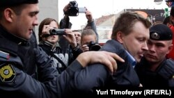 Николай Алексеев не в первый раз задерживается ОМОНом