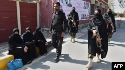The HRW report said the Pakistani police force is filled with disgruntled, corrupt and tired officers who commit abuses with impunity. (file photo)