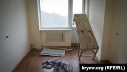 Заброшенное жилье для военных пенсионеров в Инкермане